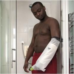 Protector medio brazo para baño y ducha