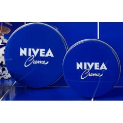 Nivea creme lata azul se puede usar con diferentes fines con un resultado inigualable